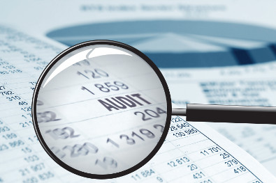 audit-magnifying-glass-395